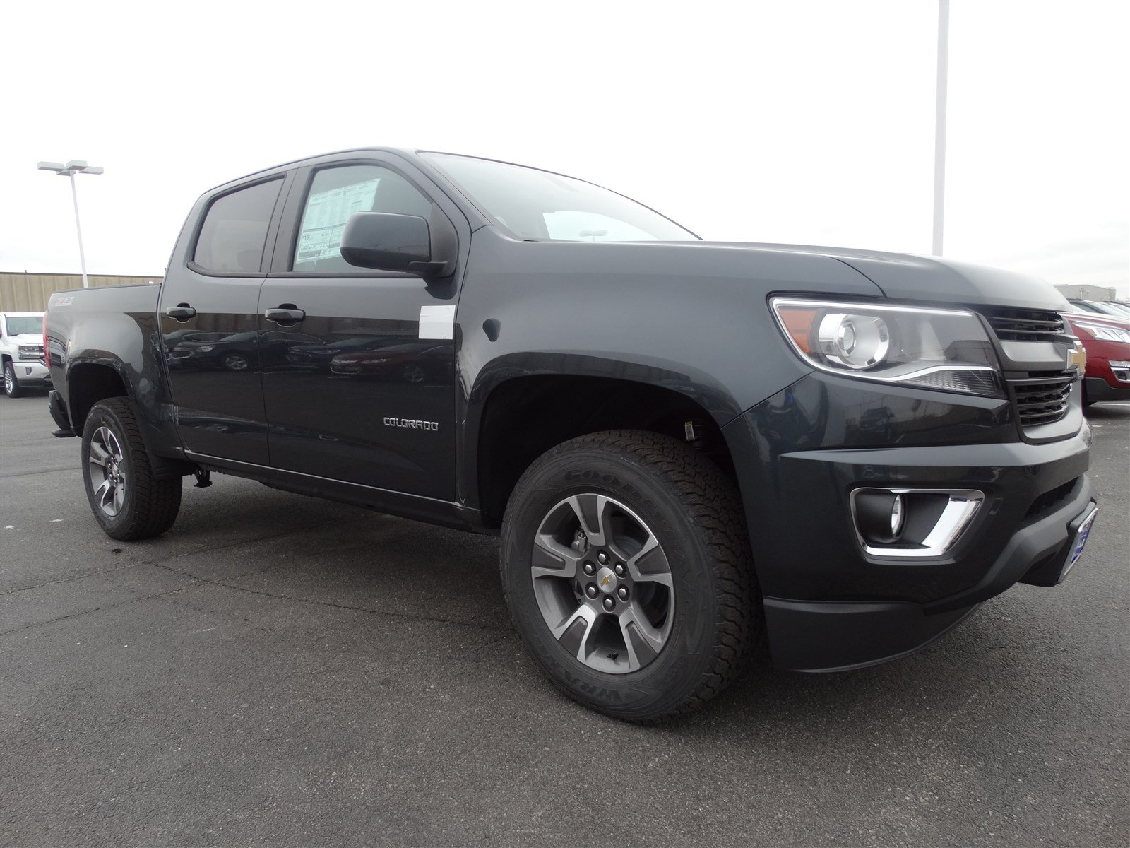 new 2017 chevrolet colorado 4wd z71 crew cab pickup in naperville t6243 chevrolet of naperville. Black Bedroom Furniture Sets. Home Design Ideas