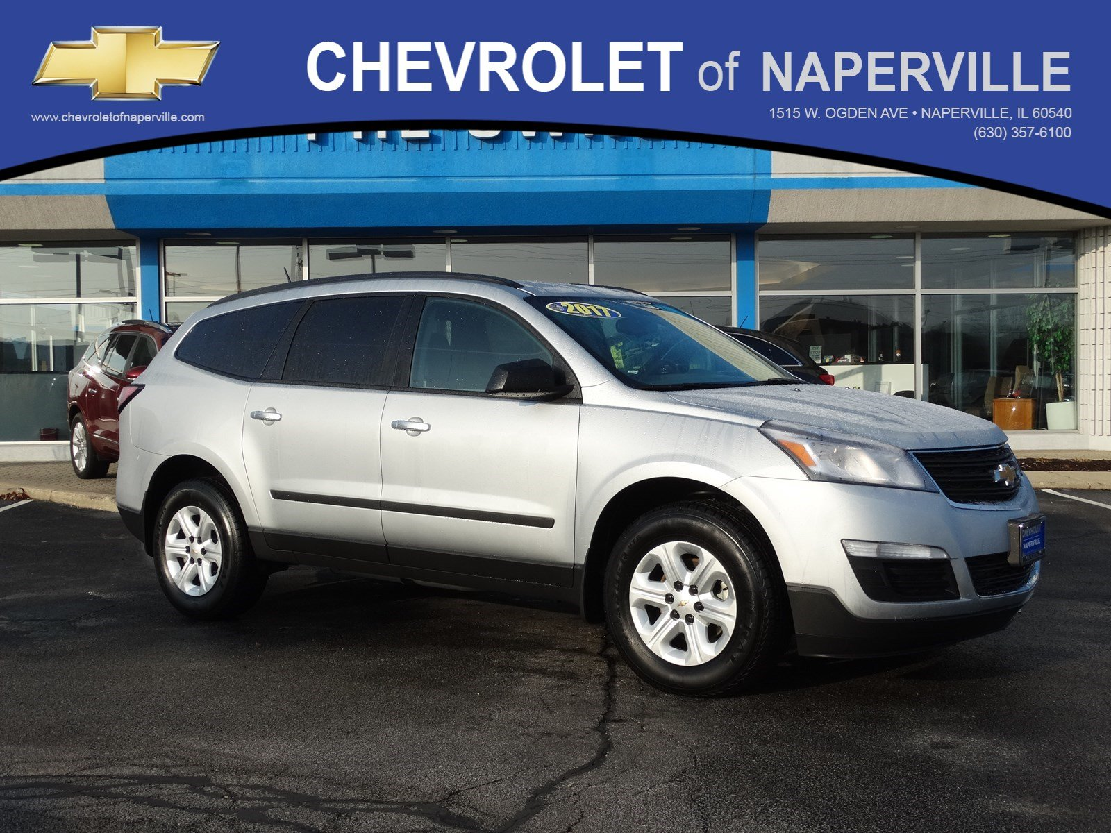 pre owned 2017 chevrolet traverse ls sport utility in naperville l0682 chevrolet of naperville. Black Bedroom Furniture Sets. Home Design Ideas