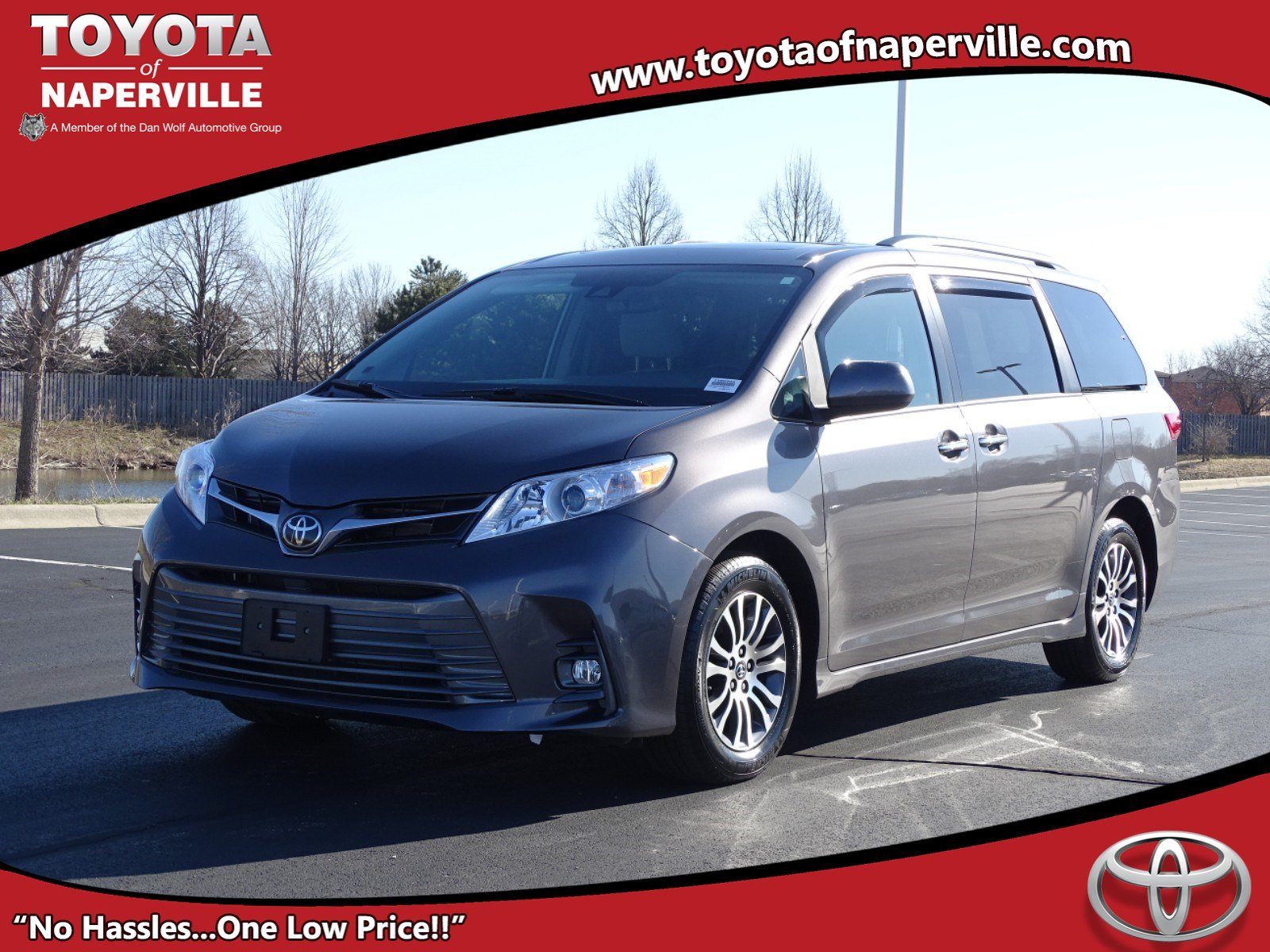Pre-Owned 2019 Toyota Sienna XLE Premium
